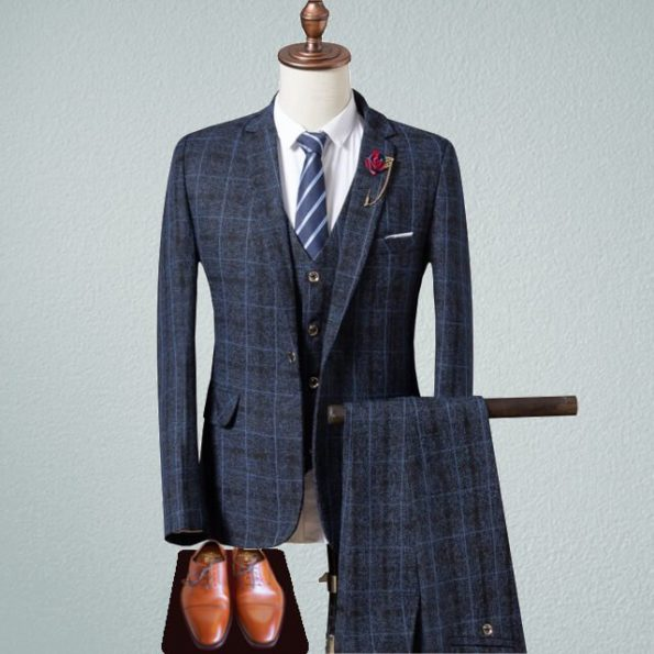 Thomas-shelby-suit-for-business-4